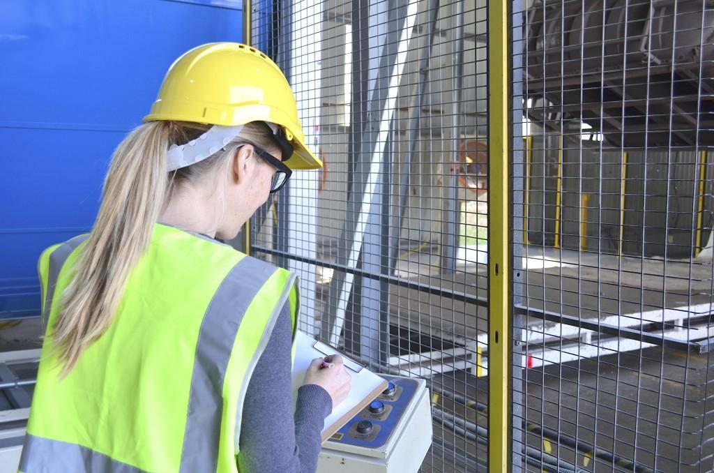 Female Engineer - iStock_000050576810_Medium