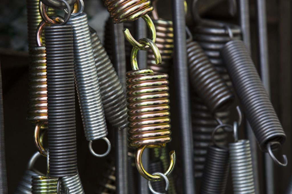 New metal springs of various sizes